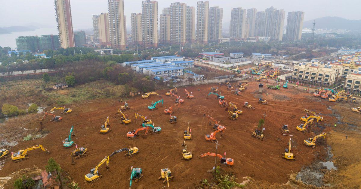 中国スクランブルは致命的なウイルスの犠牲者を治療するために新しい病院を建設する