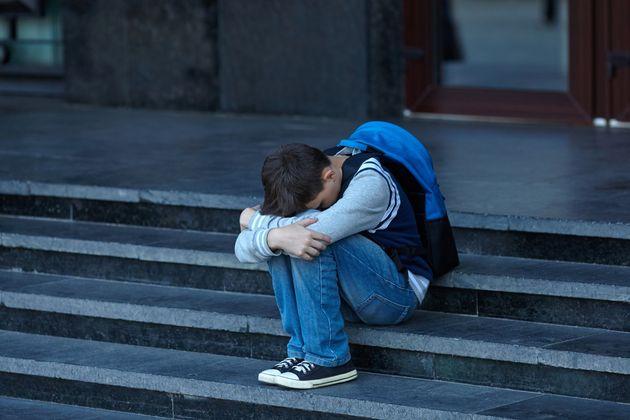Ενα παιδί «θύμα» κι ένα παιδί «θύτης» κάθε φορά. Η ευθύνη, όμως, αναλογεί ακόμα περισσότερο στους ενήλικες.