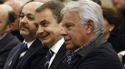 González y Zapatero chocan por la negativa de Sánchez a recibir a Guaidó en