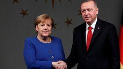 Ερντογάν: Η Τουρκία δεν θα εγκαταλείψει τον Σάρατζ. Υποστηρίζουμε στρατιωτικά την κυβέρνησή