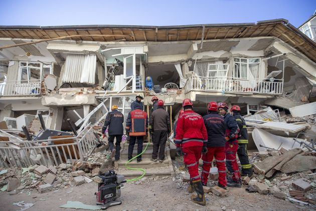 Στους 22 οι νεκροί από τον σεισμό των 6,8 Ρίχτερ στην