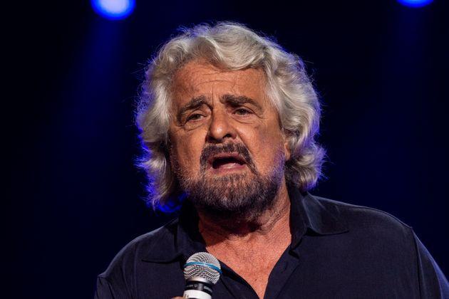 """Beppe Grillo annulla prossime date del tour, """"mi dovrò"""