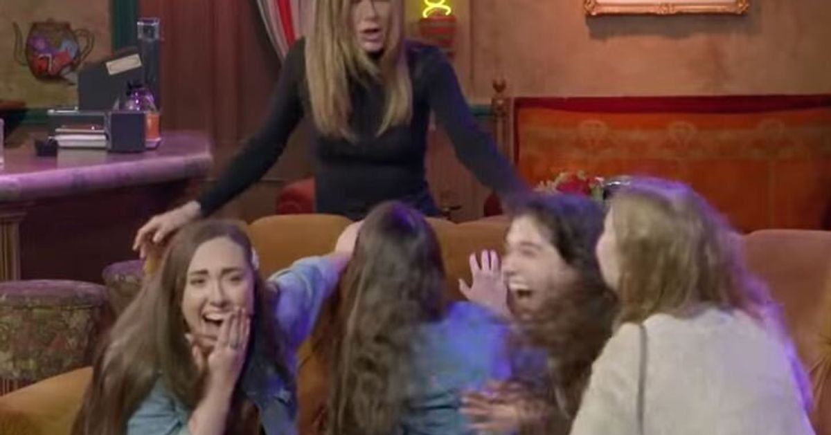 """Ces fans de """"Friends"""" ne s'attendaient pas à se faire surprendre par Jennifer Aniston"""