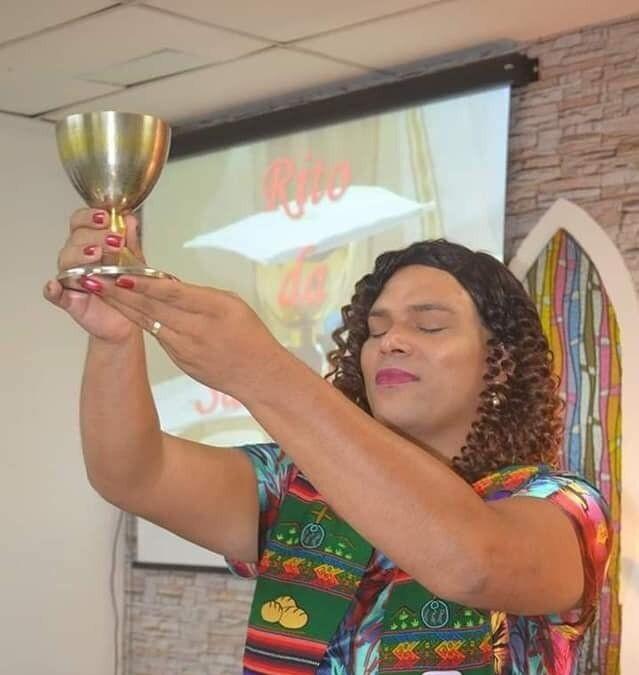 Alexya Salvador, pastora que, a partir deste domingo, será a primeira reverenda trans da América