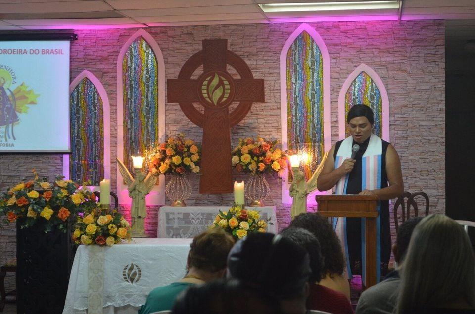 """""""Eu cresci ouvindo que LGBT não era obra de Deus, que LGBT ia para o inferno. Ali [na ICM]..."""