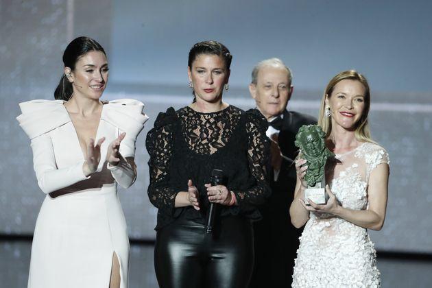 Celia Flores, Tamara Flores y María Esteve recogen el Goya de