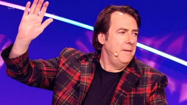 The Masked Singer Viewers Blast Jonathan Ross Error After He Guesses Dead Star