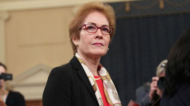 L'ex-ambassadrice Marie Yovanovitch, ici au Congrès à Washington le 15 novembre, est au...