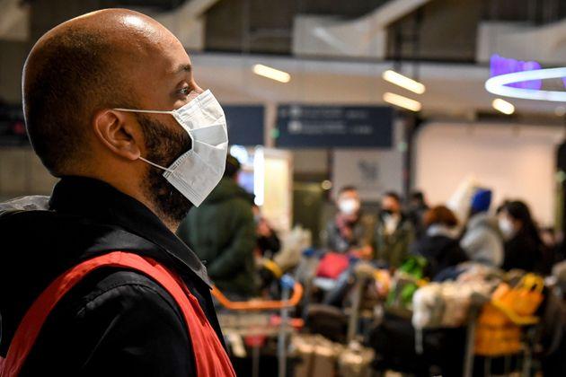 Pourquoi la France ne prend pas la température des voyageurs en provenance de Chine (photo d'illustration...