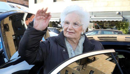 """""""INDIFFERENZA COMPLICE DEI MISFATTI PEGGIORI"""" - La definizione di Liliana Segre per lo"""