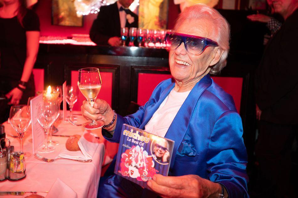 """""""Michou"""", célèbre directeur du cabaret transformiste parisien de Montmartre qui porte son nom, est décédé à l'âge de 88 ans.» Lire notre article complet en cliquant ici"""