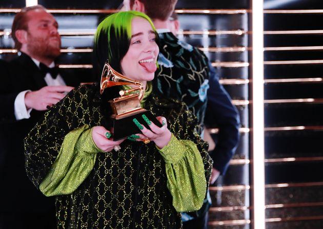 A cantora e compositora Billie Eilish parecia não acreditar nos prêmios que ganhou no Grammy,...