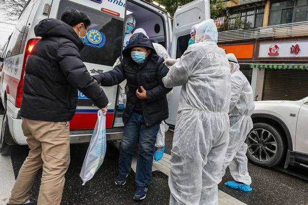 Virus cinese, l'epidemia si allarga: oltre 80 morti e 2835