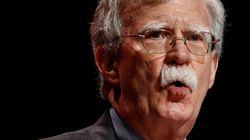 John Bolton confirma que Donald Trump hizo chantaje a