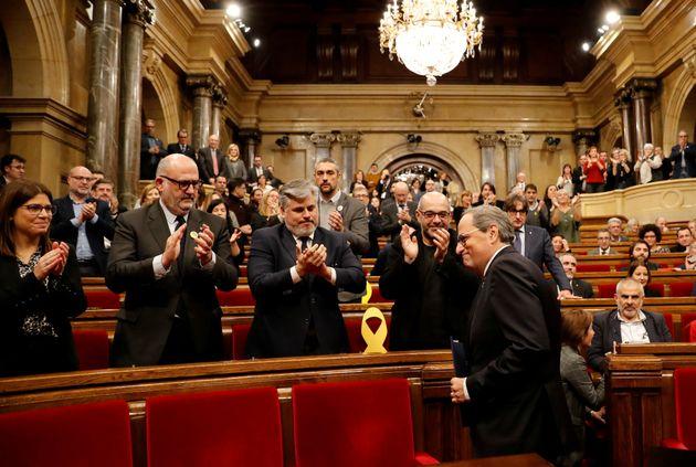 Quim Torra, llegando entre aplausos a la sesión extraordinaria del Parlament catalán del...