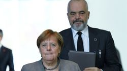 H Mέρκελ φέρνει στη σύνοδο κορυφής της ΕΕ την ένταξη Βόρειας Μακεδονίας και