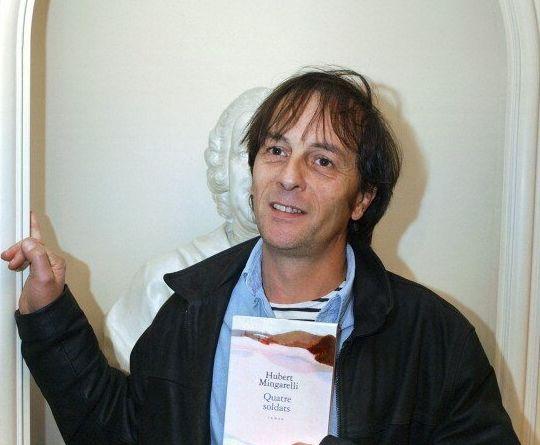 Hubert Mingarelli, le 27 octobre 2013, lors de l'obtention du prix Médicis pour son livre