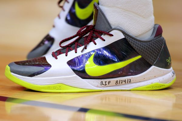 Josh Hart of the New Orleans Pelicans wears sneakers dedicated to Kobe Bryant during a game against the Boston Celtics in New