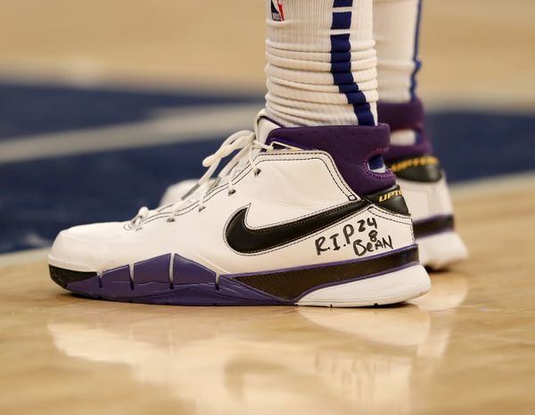 Marcus Morris Sr. of the New York Knicks wearing sneakers in honor of Kobe Bryant at a game against the Brooklyn Nets on Jan.