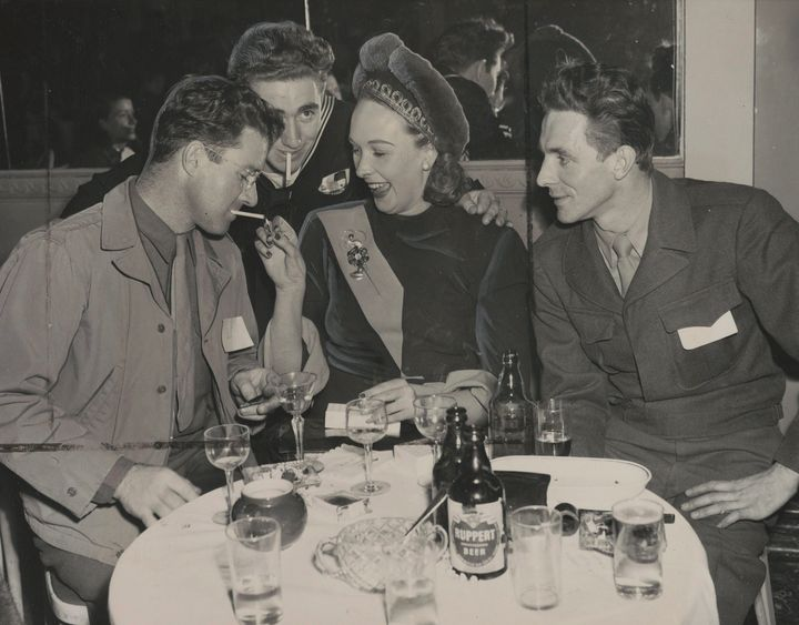 Lady Iris Mountbatten, centre, at a party for servicemen hosted by the Hotel Delmonico in New York, on Jan. 9, 1947.