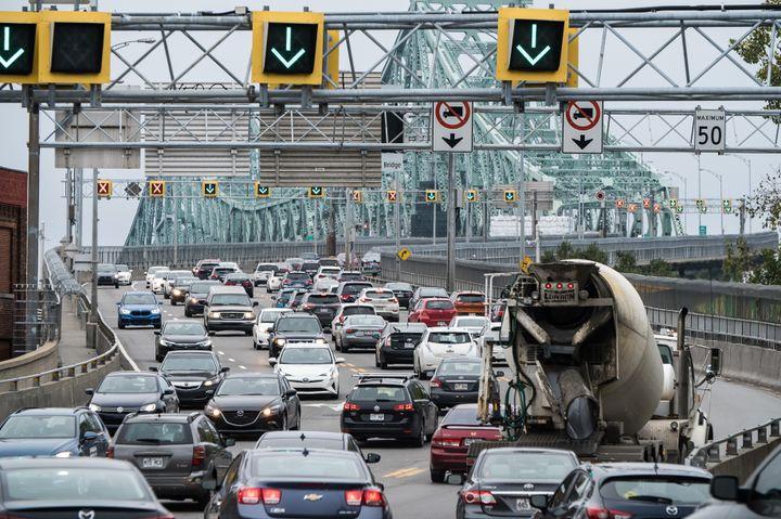 Le secteur du transport représentait 40% des émissions de gas à effet de serre de la collectivité montréalaise en 2015.