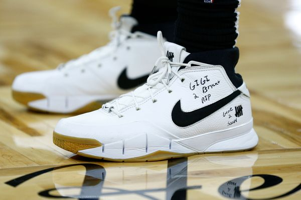 Montrezl Harrell of the Los Angeles Clippers wears sneakers dedicated to Kobe Bryant during a game against the Orlando Magic