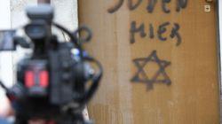 Nel Giorno della memoria l'antisemitismo non si ferma: scritta su una casa a Torino e insulti a Segre, Verdelli e