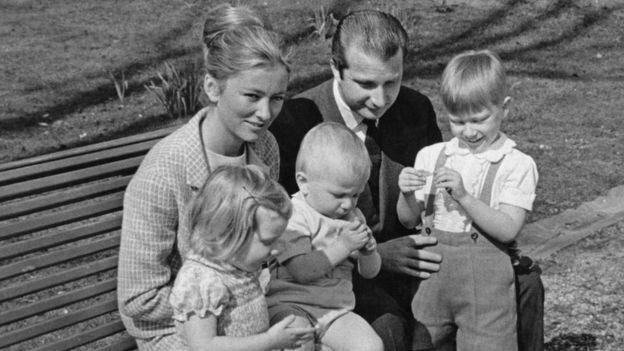 Βέλγιο: Ο τέως βασιλιάς παραδέχτηκε ότι έχει παιδί εκτός γάμου μετά από τεστ
