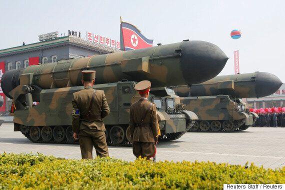 김정은이 어제 발사한 북극성-2형 미사일의 실전배치를