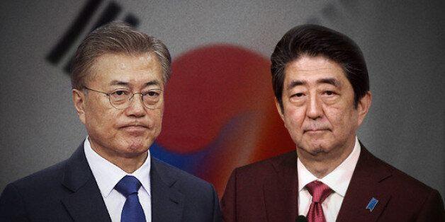 문재인과 아베가 전화로 북핵 ·위안부 합의 등에 대해