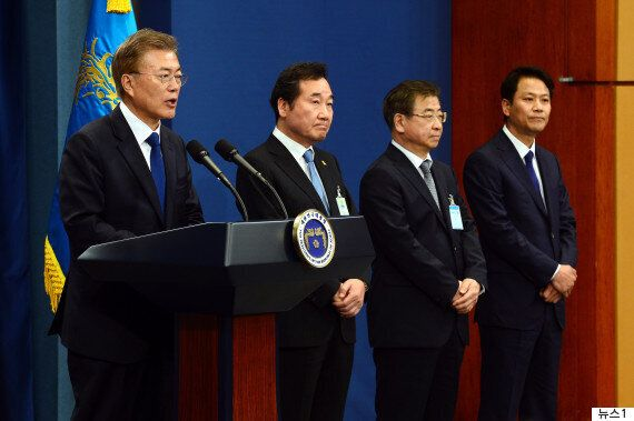 문재인 대통령의 첫 기자회견은 다소