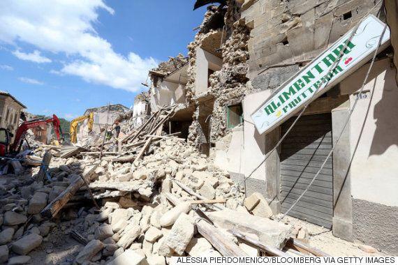 엄청난 지진으로 이탈리아의 이 거리는 이렇게 변했다(비포 애프터