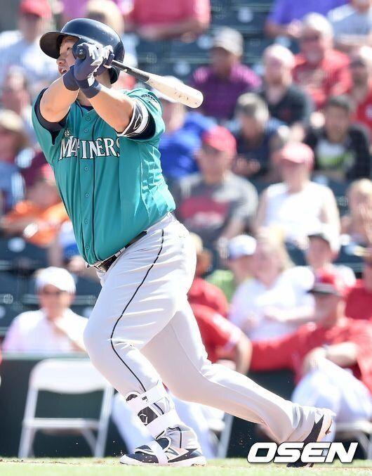 이대호, OAK전 MLB 첫 홈런