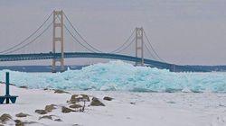 미국 미시건 주에 나타난 푸른색 빙하의