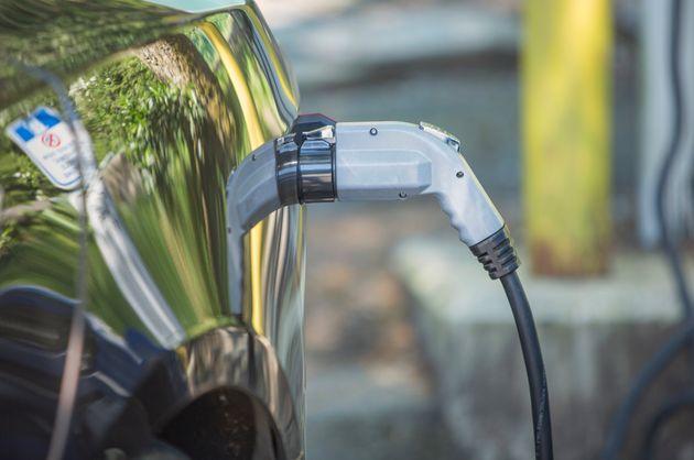 Achat de véhicules électriques: Ottawa envisage d'élargir le programme de