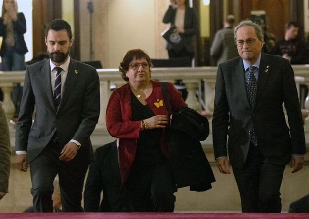 La exconsellera Dolors Bassa, condenada a prisión por el 1-0, junto al presidente de la Generalitat,...