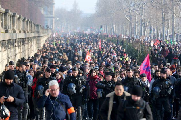 Le cortège de la manifestation contre la réforme des retraites du 24 janvier 2020 à