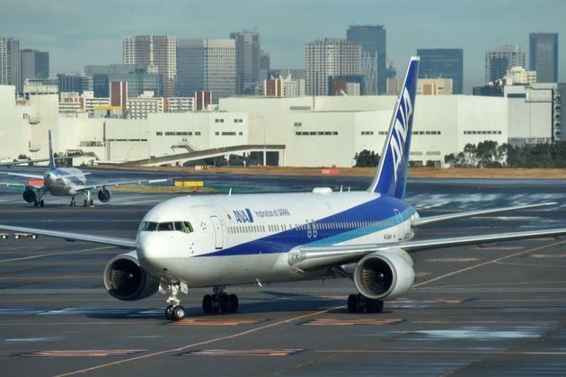 4人が体調不良で搬送。中国・武漢からのチャーター機が到着。