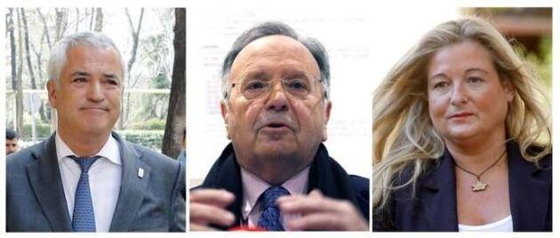 Los líderes de Ausbanc y Manos Limpias, Luis Pineda (i), y Miguel Bernad (c) y la abogada Virginia López...
