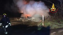 Assalto a portavalori sulla A1. Auto in fiamme per coprire la fuga