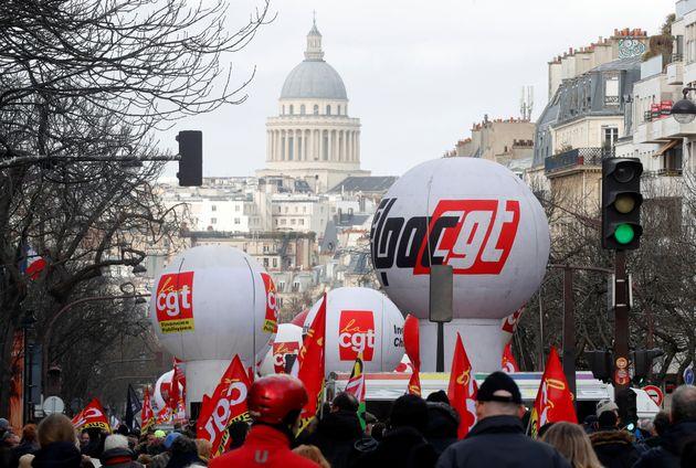 Des manifestants à Paris contre la réforme des retraites ce 29