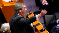 La salida del eurófobo Nigel Farage de la Eurocámara: