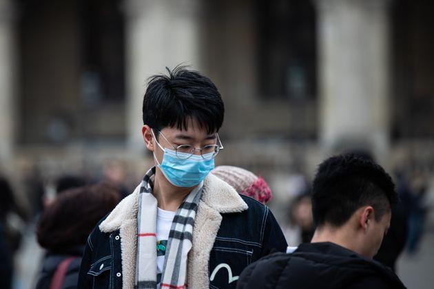 Il coronavirus a Parigi porta il