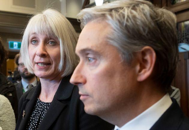 フランソワ=フィリップ・シャンパーニュ外務大臣とパティ・ハイドゥー保健大臣