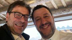 Salvini e Giorgetti, un selfie per nascondere le
