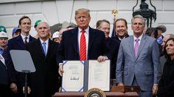 Trump signe le nouvel accord de libre-échange avec le Canada et le