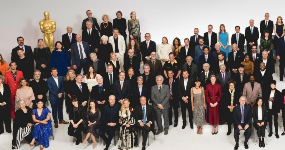 """Les Oscars 2020 rattrapés par la polémique """"Oscars So White"""" sur la photo des nommés"""