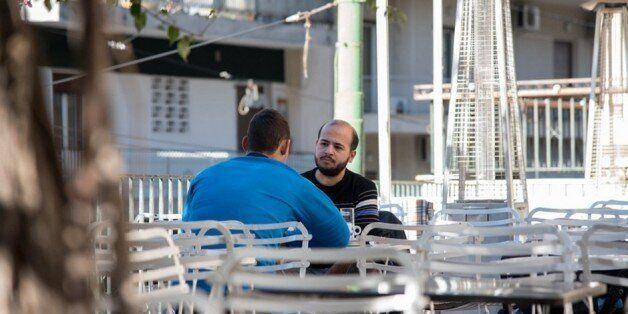 Συγκλονιστική μαρτυρία: Πίσω από το κράνος ενός άνδρα των