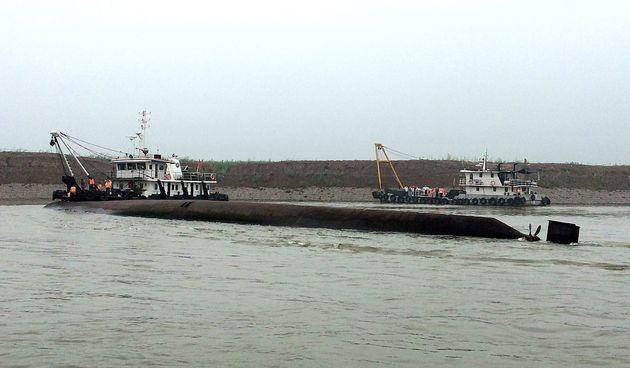 Ναυτικό δυστύχημα με εκατοντάδες αγνοούμενους στην