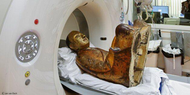 Απίστευτη ανακάλυψη: Μούμια μοναχού κρυβόταν μέσα σε άγαλμα του